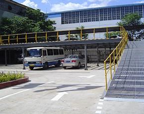 樓梯(ti)踏步板